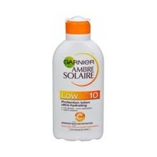 Garnier Ambre Solaire SPF 10 Protection Lotion Ultra-Hydrating - Opalovací mléko 200 ml